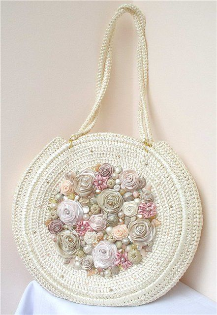 Bordado em Fita e Crochê -  /   Embroidery in Ribbon and Crochet -