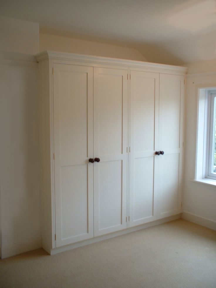 Best 25 built in wardrobe doors ideas on pinterest for How to make wardrobe closet