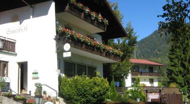 Hotel-Gasthof Sonnenbichl - #Guesthouses - $62 - #Hotels #Germany #Oberwössen http://www.justigo.co.za/hotels/germany/oberwossen/gasthof-sonnenbichl_202481.html