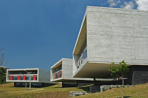 arQBook - Parque Biblioteca León de Grieff