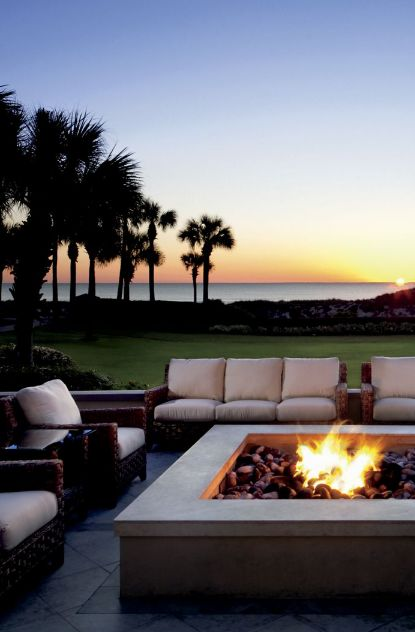 The sunsets at the @ritzcarlton  Amelia Island were incredible, the hotel has firepits all around and even does bonfires on the beaches with smores! This is the perfect coastal island to visit with all the family.
