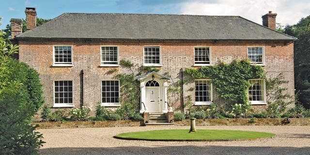 A charming hotel with a relaxed and peaceful atmosphere ideal for a weekend break this autumn. Check out Old Whyly, East Hoathly, England. Visit: http://bit.ly/2xVg0vN #charming #small #hotels #charmingtravel #travel #trips #visitengland #england #exploreengland #rooms #hotelstay #englishhotels #autumn #autumntravel
