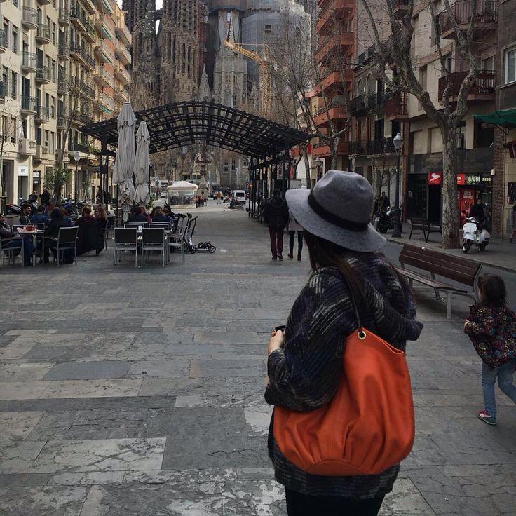 """De turismo por Barcelona"" - StreetStyle"