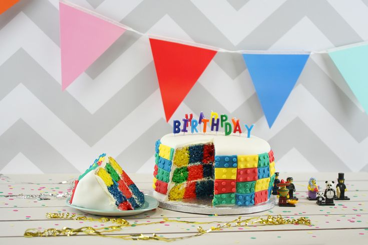 This Checkerboard Cake Pan Set makes it so easy to bake the cakes you thought were hard. Bake amazing multi-layered cakes with a colourful checkerboard surprise! This cake pan set helps you to create a variety of large, creative cakes for birthdays, anniversaries, events and more!