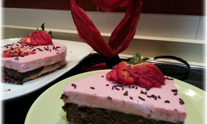 Tarta de brownie y mousse de fresa recetas dulces - Mousse de fresa ...