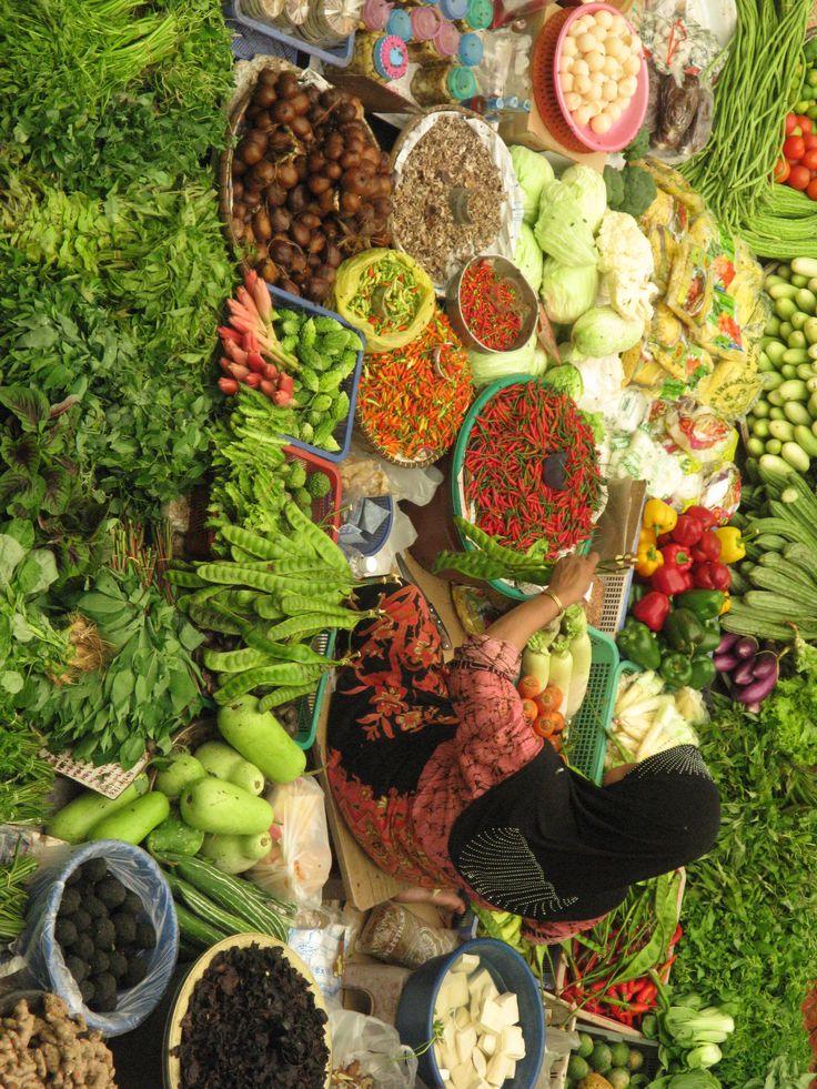 Au milieu des légumes... des couleurs chatoyantes...