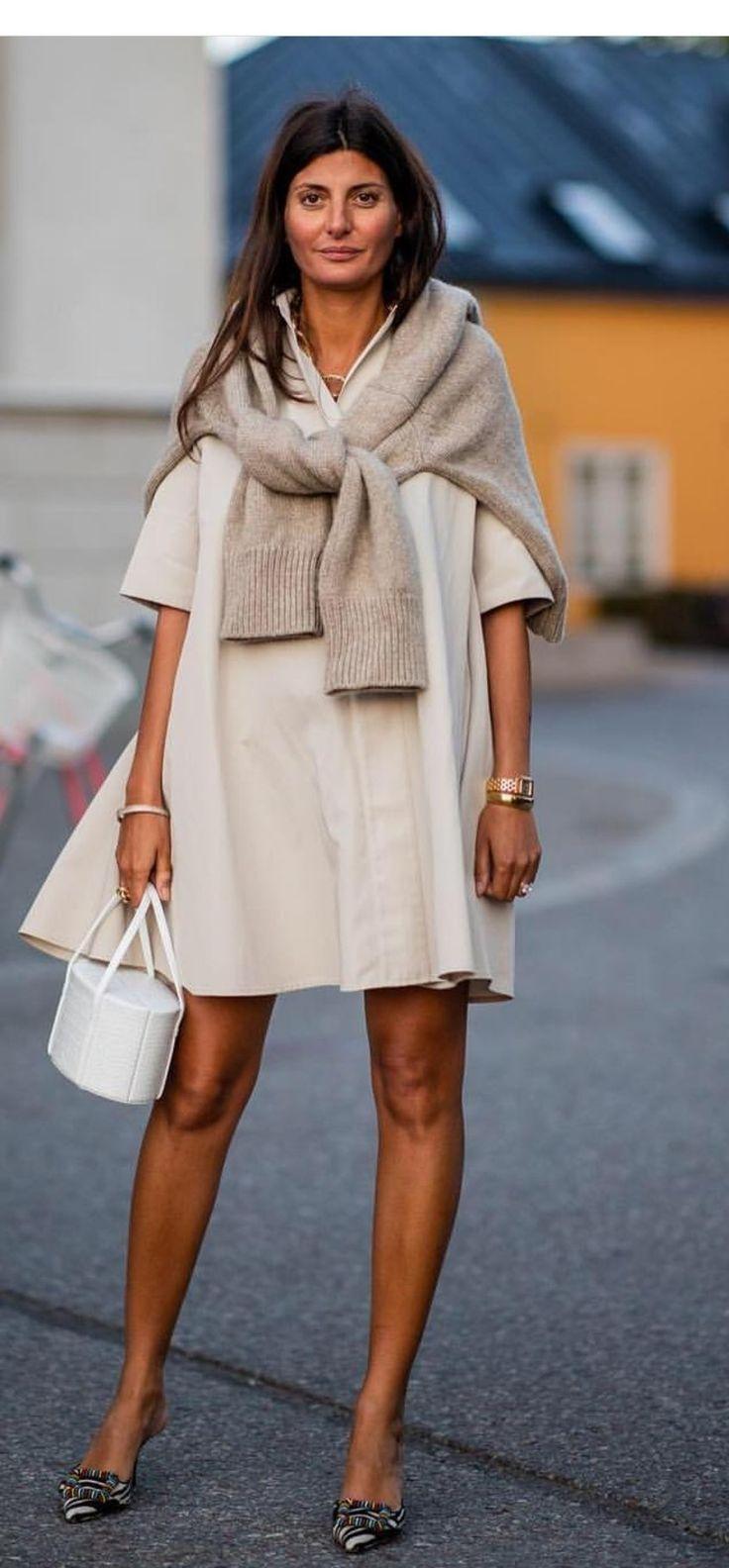 Ich liebe diesen Look, die Farbe und der Stil sind wundervoll. Ich mag den Ping der Farbe – Pia Eulenburg