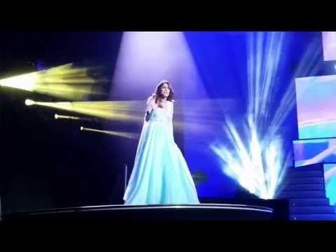 "VIOLETTA Stars mit ""Soy Mi Mejor Momento"" - Hits aus Staffel 2 - im DISNEY CHANNEL - YouTube"