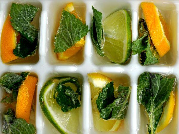 Acqua detox per una pancia più piatta con arancia, limone, cetriolo e menta | Detox water for flat stomach with orange, lemon, cucumber and mint | #summer #diet #benessere #fitblr #recipe #wellness