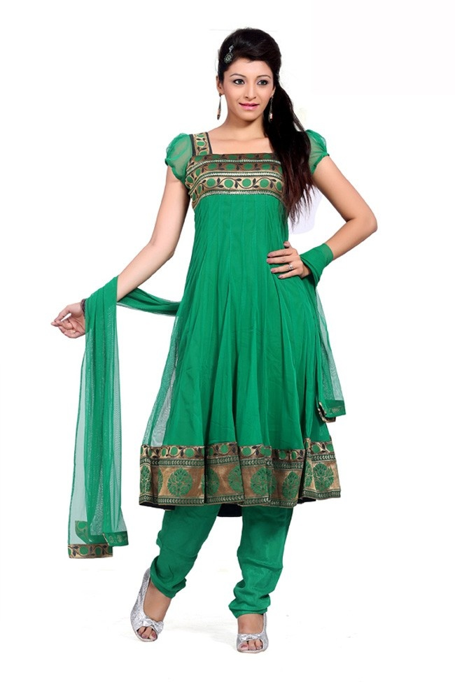 I love the green on this.  Why they couldnt make this into a dress rather than a salwar & kameez is beyond me.