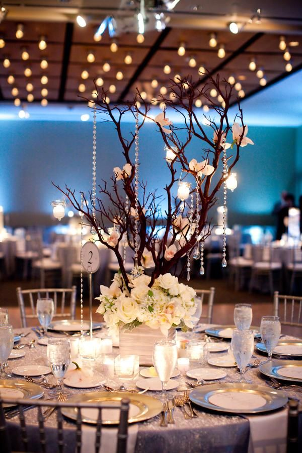 Branches & trees for fall/winter weddings.: Branches Centerpieces, Branch Centerpieces, Ideas, Centre Piece, Winter Wedding, Trees Branches, Flowers, Tables Center, Center Pieces