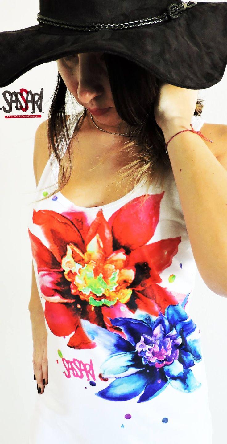 Vestido de corte deportivo  Estampado Flores Exóticas Diseño Exclusivo Colección Limitada Valor: $19.000