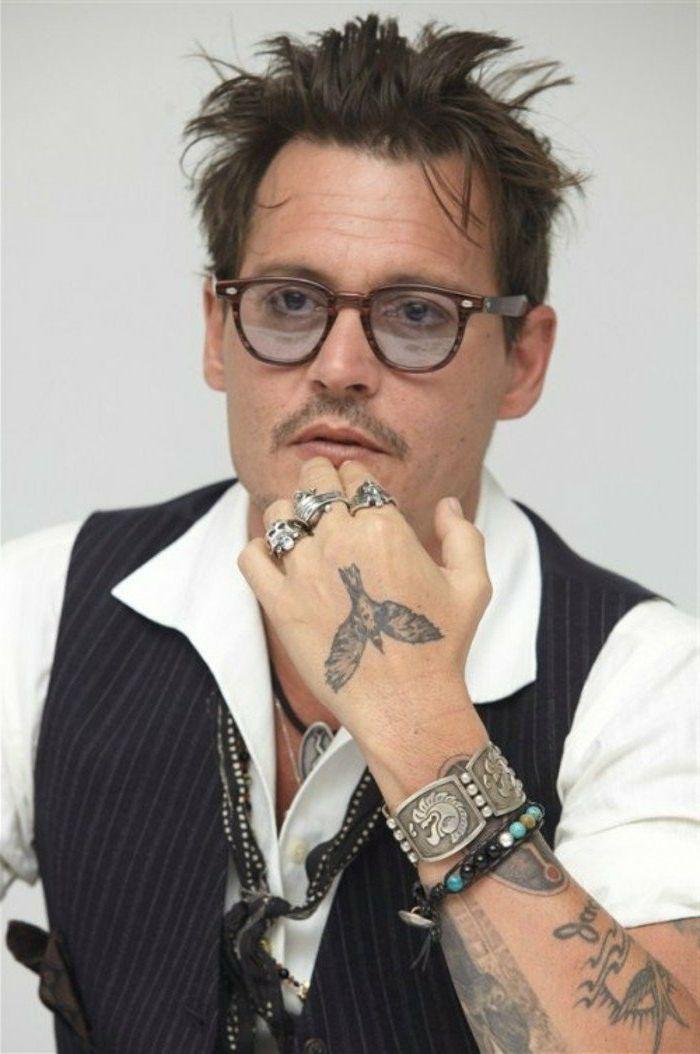 Tatuajes Pequenos Hombre Johnny Depp Tatuaje De Pajaro En La Palma Elegir El Disenu Nufactured Johnny Depp Tattoos Johnny Depp Style Half Sleeve Tattoo