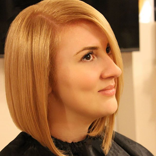 New look pentru @agrisan_georgiana realizat de Bianca Nicoara la #studioxpression  #newlook #blonde #hairstyle #haircolor #previahaircare #phlaboratories #shorthair #lookoftheday #cluj