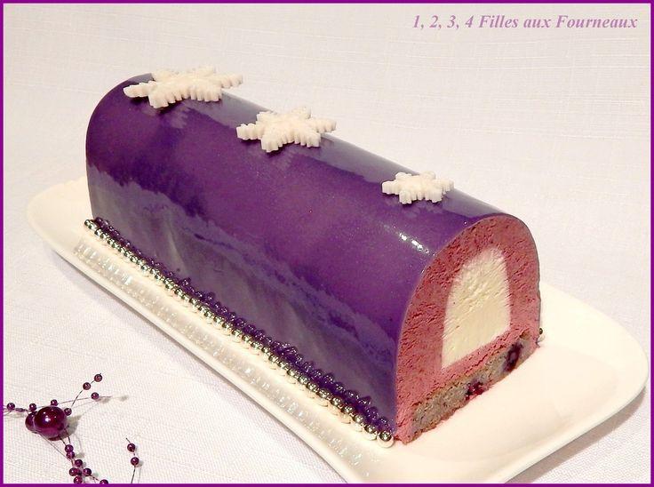 J'adore les finitions brillantes sur les bûches... Bûche Purple de Sébastien Bouillet  (Cassis - Vanille)