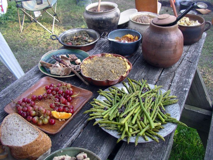 Pennsic Cooking Over Coals with Pottery - 2009
