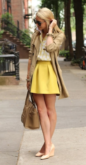 Yellow outfit + Nude pointed wedges