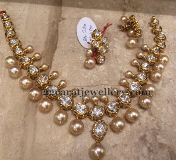 Jewellery Designs: Heavy Look Polki Necklace 60 Grams