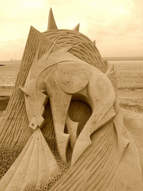 """""""Mare la Mere"""" sand sculpture ... horse ... Tossens Germany ... done by Fergus Mulvany"""