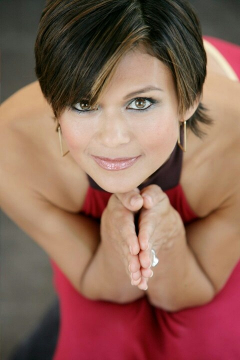 NIA PEEPLES  Nia was born in Hollywood, California, the daughter of Elizabeth Joan (née Rubic), a flamenco dancer, and Robert Eugene Peeples.[1][2] She was raised in West Covina. Her maternal grandparents were immigrants from the Philippines, and were of Filipino, Spanish, French, and German descent.[3] Her father, who was originally from Mississippi, was of Scottish, Irish, English, Native American, and Italian ancestry.[2][4][5]