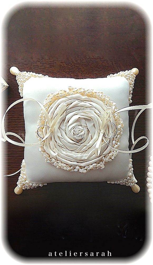 ateliersarah's ring pillow/decorated with cloth flowers and freshwater pearl