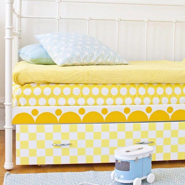 """115 gilla-markeringar, 22 kommentarer - Anna (@loppanpoppan.se) på Instagram: """"Projekt barnsäng är äntligen igång! Sänglådan från Ikea har fått sig en omgång färg och handtag.…"""""""