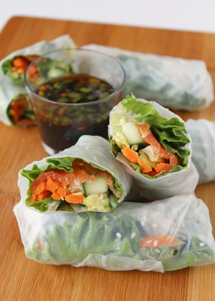 Smoked Salmon & Avocado Fresh Spring Rolls with Soy Dipping Sauce 6 (9 ...