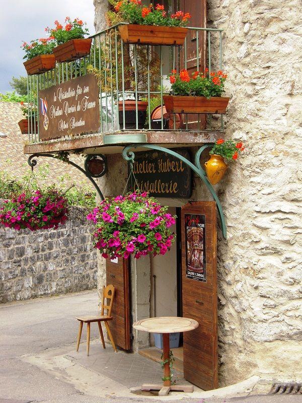 Atelier d Art a Yvoire by arican, Yvoire, Rhone Alpes via TrekEarth