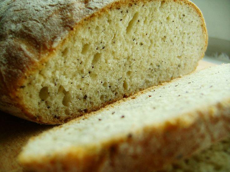 Chleb pszenny z makiem (pieczony w naczyniu żaroodpornym)