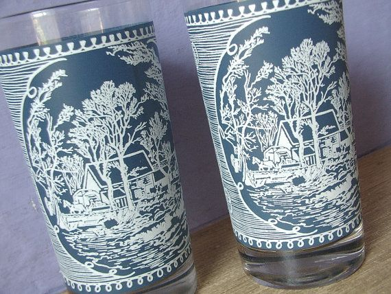Vintage 1950's Royal China Currier & Ives $18.00