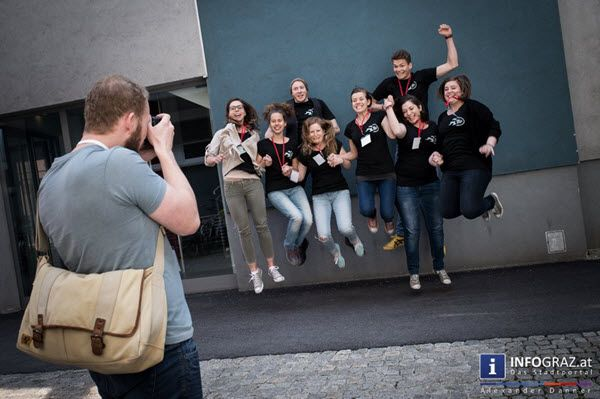 """Am dritten und letzten Tag des BarCamp Graz 2015 in der FH Joanneum waren höchstens die vierbeinigen Begleiter der Veranstaltung hundemüde. Dafür versprach das Programm des Tages wieder viel zu spannende Themen. """"Lass dich von der Muse küssen: kreativ Schreiben"""" aus dem Wissenscamp, """"Wann ist ein Mann ein Mann?"""" im Startcamp, oder """"Lobbying: How to, Best practices -> Austausch"""" aus dem Politcamp.  """"#BarCamp #Graz #2015"""" """"#FH #Joanneum"""" #Veranstaltung """"#spannende #Themen"""" """"#kreativ…"""