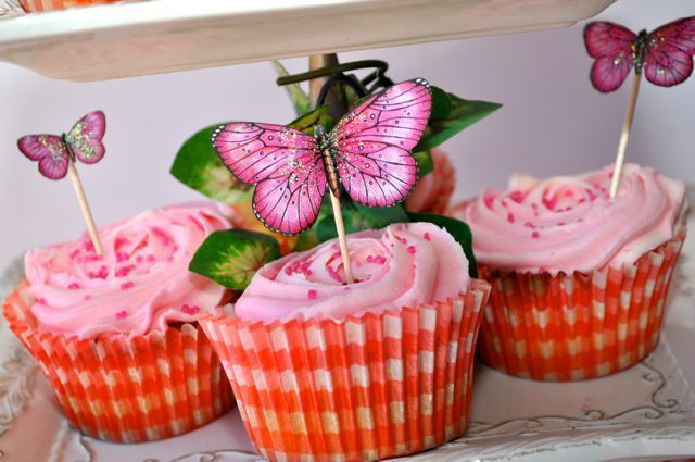 Cupcake toppers By Kelly-ann Oosterbeek ... Butterflies available at Etsy...  https://www.etsy.com/au/listing/192643609/hot-pink-printable-butterflies-in-3?ref=listing-shop-header-2