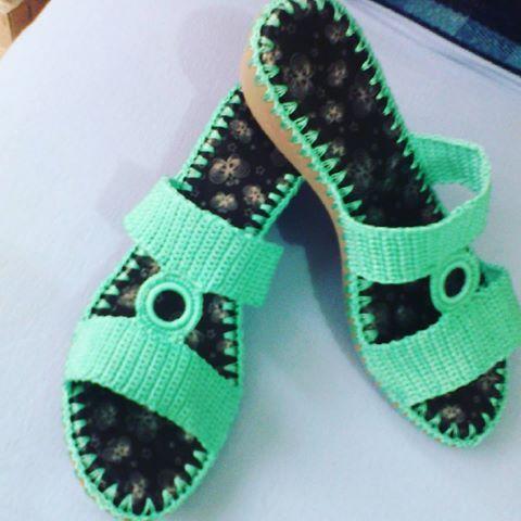 Sandalias en Crochet. Calzado para dama hecho a mano. #artesanal#tallas#colores…