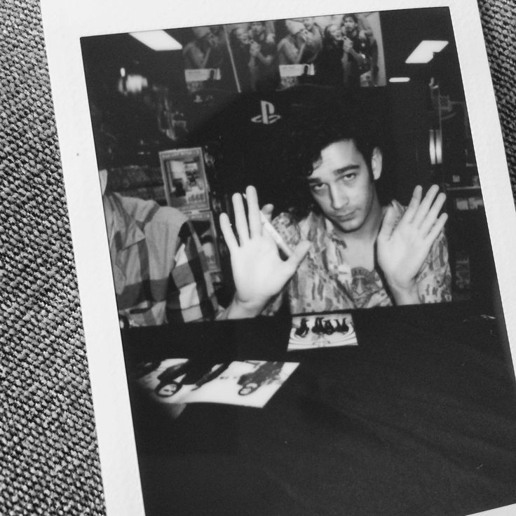 2498 best THE 1975 images on Pinterest | Musicians, Matt healy and ...