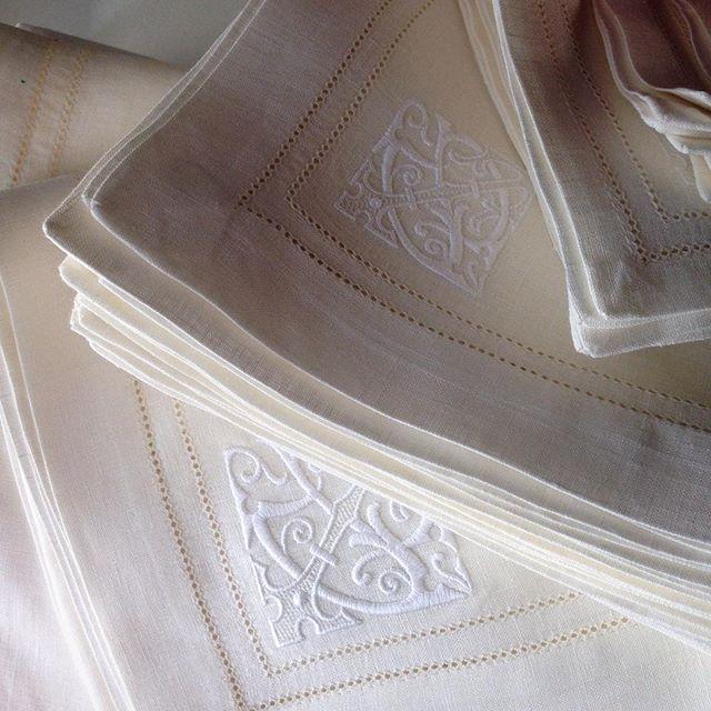 Доброе утро☀️☀️☀️ #монограмма #текстиль #скатерть #иНеНадоСтесняться