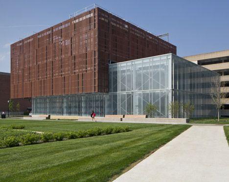 Leers Weinzapfel wraps water cooling plant in metal screen