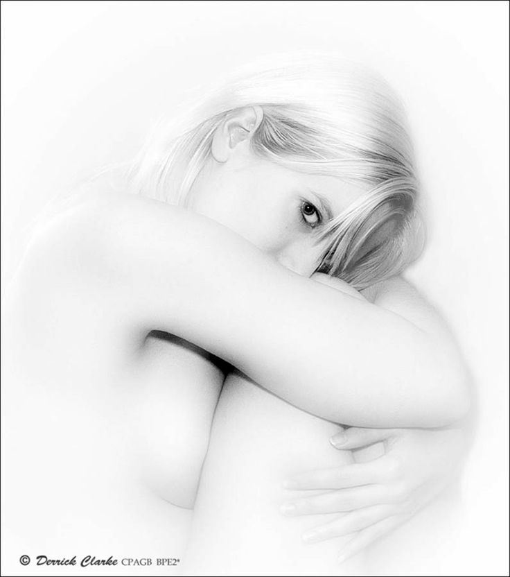 Competition Entry /Competition : Mostly white - high-key / PurplePort competitions / Portfolio hosting and networking for models, photographers and related creatives / PurplePort