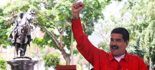 """Maduro baila una versión de """"Despacito"""" para pedir el voto"""