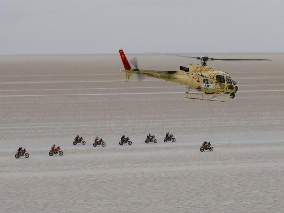 A organização do Dakar 2016 divulgou a nova rota da competição, que precisou ser alterada após o Peru anunciar a saída da prova por conta do fenômeno climático El Niño. O rali acontece entre...