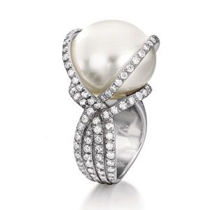 Verdura Pearl and Diamond Ring