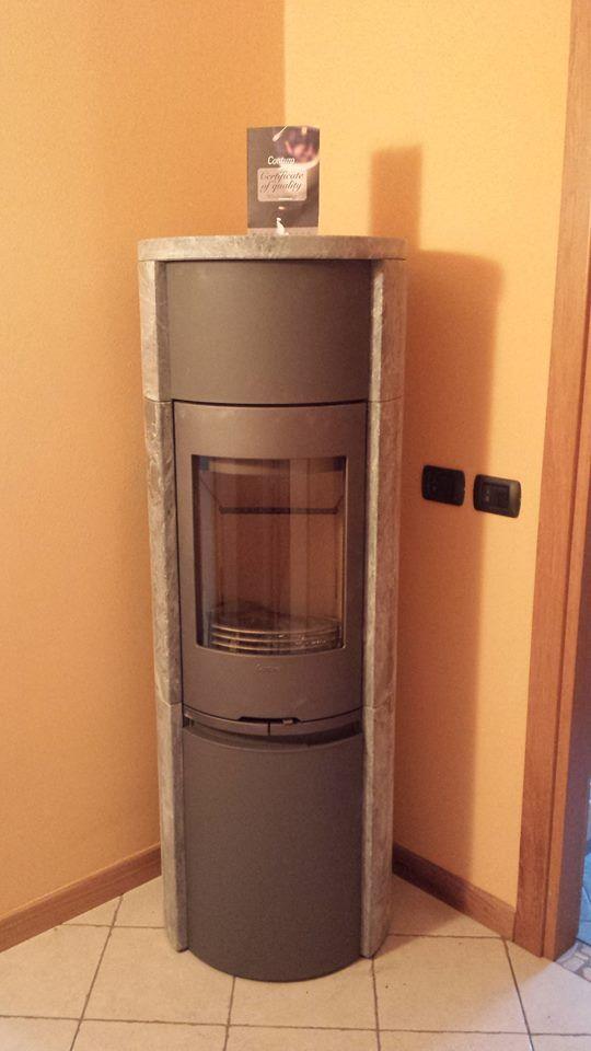 CONTURA 590T Style. Un modello maestoso con la pietra ollare. Le origine: EDILRAVANELLI