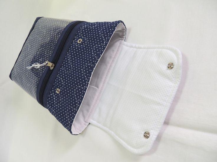 Kit organizador para bolsa de bebê, composto por :  01 porta fraldas 25 cm altura x 23 cm largura ( cabe 5 fraldas 6 + lenço umedecido P)  01 saco para roupa 28x42  01 nécessaire 16x23  Confeccionado em tecido 100% algodão de alta qualidade.