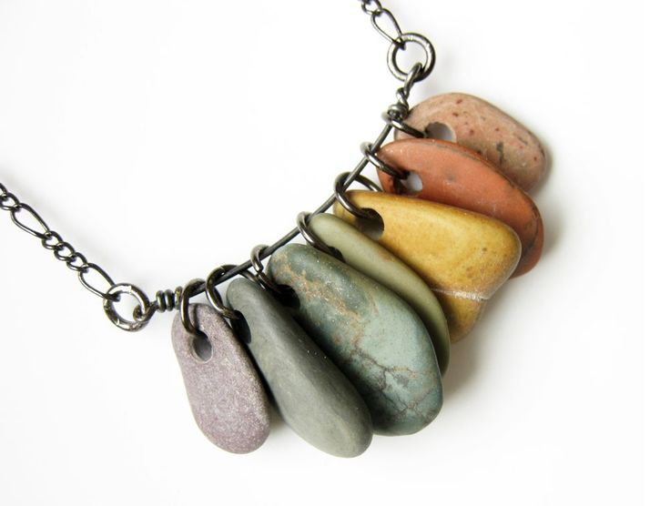 i love the look of the rocks on a wire like this, great idea to do to all those tiny rocks i tend to collect