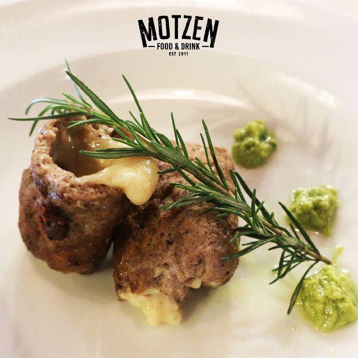 Makan malam semakin sempurnya dengan menu yg satu ini.  Hanya di @motzen_bdg  kamu bisa menikmati menu ini  #Motzenbdg#motzenbandung#reataurantbandung#food#deliciuos#yummy#cozyplace