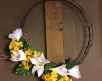 Barbed wire wreath with horseshoe by Horsestuffgalore on Etsy