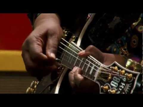 Гитары не горят - http://russiatoday.eu/gitary-ne-goryat/ Своеобразный певец и виртуозный гитарист, Би Би Кинг оказал влияние на несколько поколений музыкантов. К примеру, целая плеяда британских рок-гитаристов, от Кита Ричардса до Джорджа Харрисона, вдохновлялась творчеством ам�