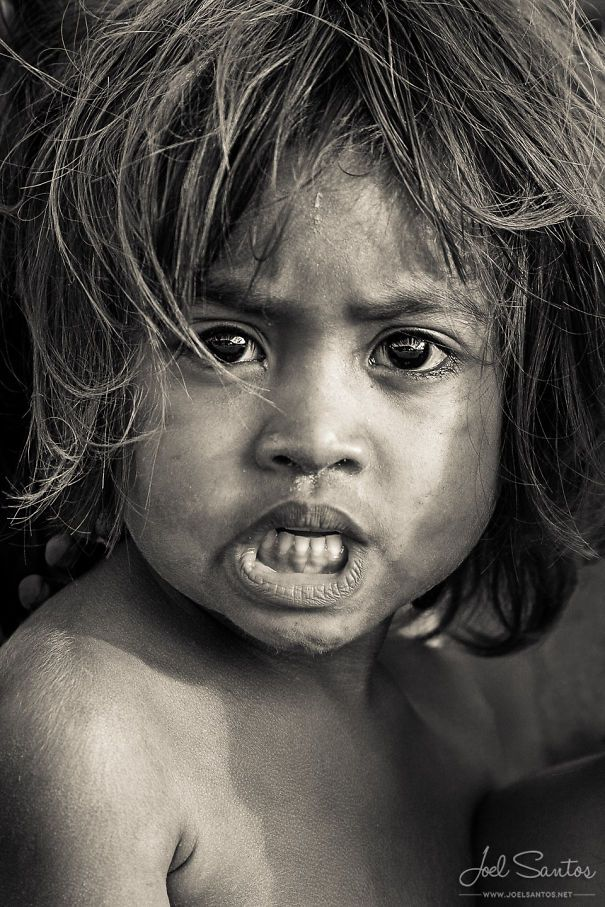 BoredPanda The meaningful look of these portraits says it all. Joel Santos demonstrates the feeling of his subjects.
