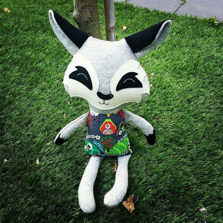 Wolfie gemaakt door Marika, een superleuk patroon van Dolls And Daydreams .... Volg ons op facebook  over haken en nog meer gezellige en hippe dingen ... www.facebook.com/mijnschoonzusenik
