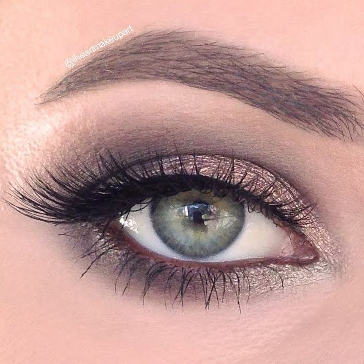 Earth tones are the make up of choice for this look. Grab this day to night makeup for yourself by trying the products listed here.