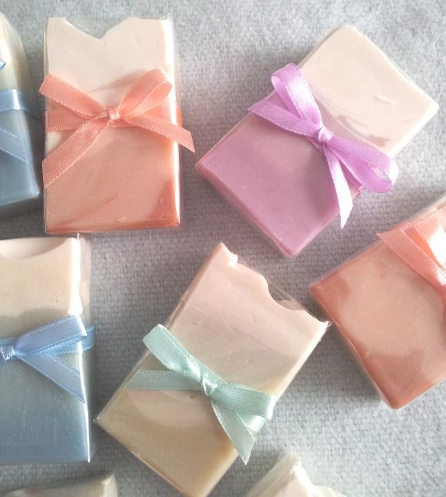 Wedding - Wedding Favour Pure Natural Handmade Mini Soaps  http://www.ezebee.com/page/listen-to-your-heart